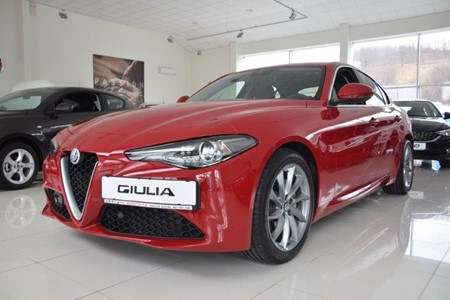 ALFA ROMEO GIULIA  2.2 JTDM AT8 SUPER